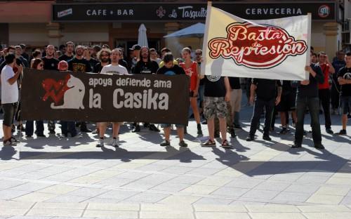 Concentración en apoyo al CSOA La Casika el pasado 8 de julio