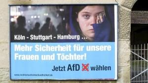 """""""Más seguridad para nuestras mujeres e hijas"""" una muestra del populismo de extrema derecha de Alternativa por Alemania a raíz de los sucesos de nochevieja en Colonia."""