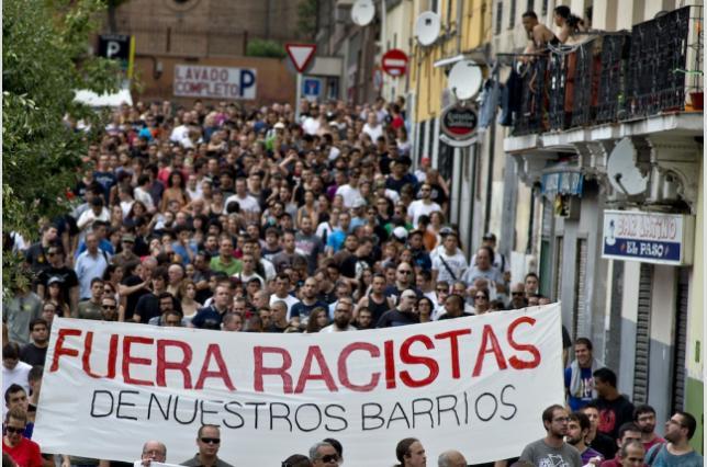 Fuera racistas de nuestros barrios